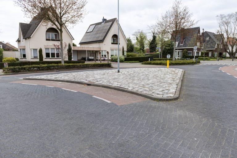 Gemeente Valkenswaard straten en midden-geleiders duurzaam onkruidvrij
